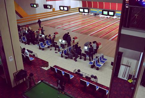 bowling-alley-birds-eye