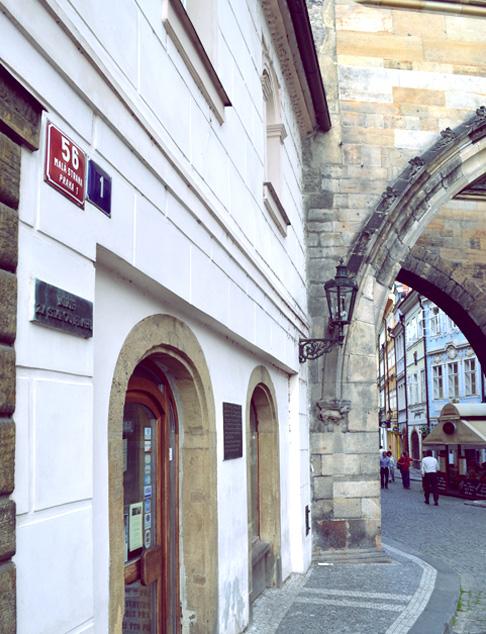 Indie travel blog Czech: King Charles Bridge Area