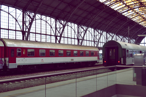 World Traveler Travel Blog: Germany Berlin Train Station