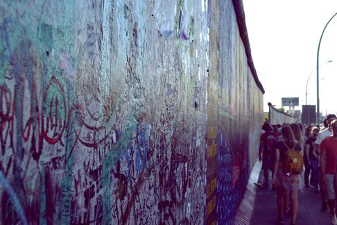 2-berlin-wall