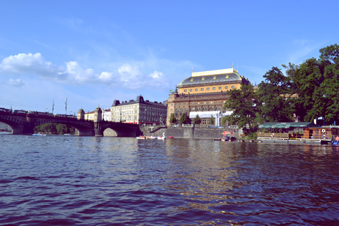 Expat Travel Blogger Czech Republic: How to rent boats on the Vltava River
