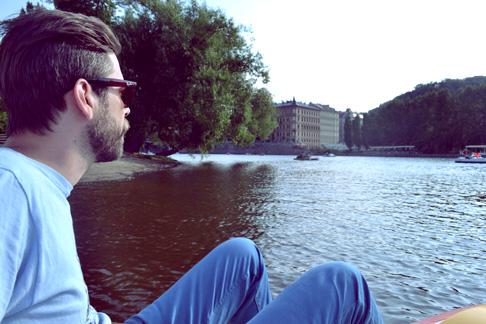 Travel Blog Prague: Boating on the River